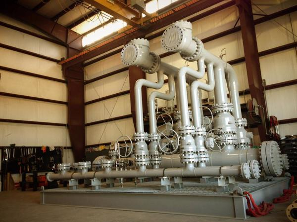 Manifold for onshore
